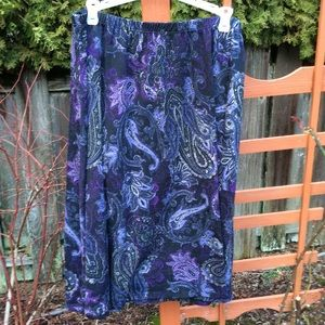 Roz & Ali skirt elastic waistband purple paisley